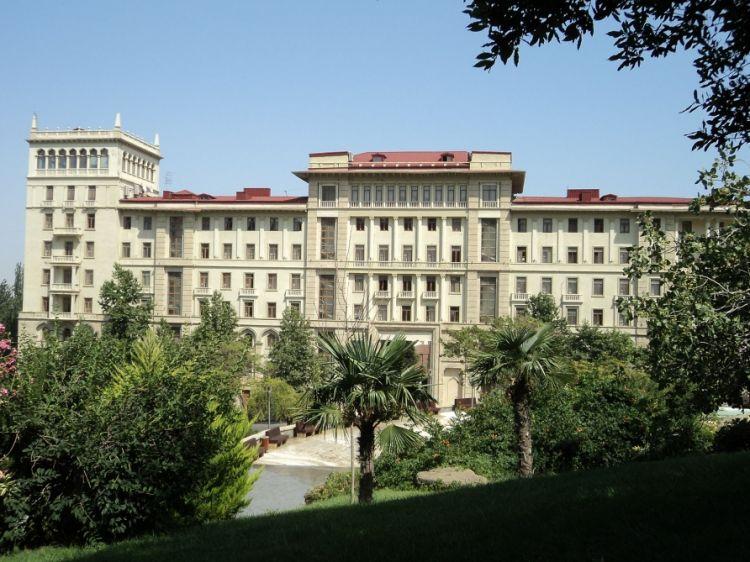 قرار مقر العمليات بشأن تسوية نظام دوام العمل خلال مدة الحجر الصحي الخاص في أذربيجان قائمة المجالات المسموح لها بمواصلة العمل خلال الحجر الصحي