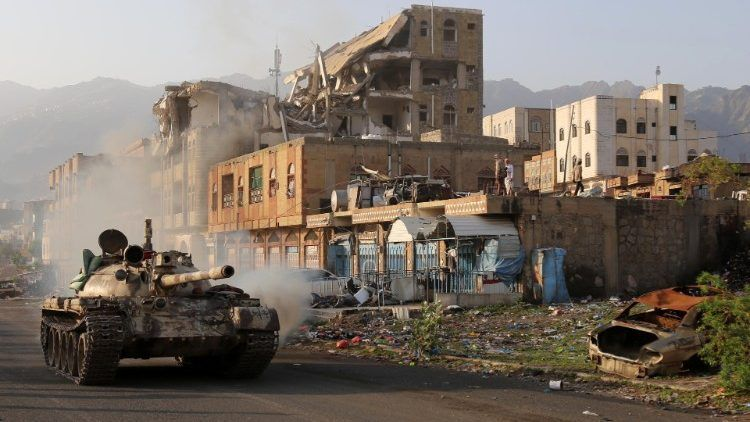 Saudi-led coalition conducted more than 20 air strikes on targets in Yemen