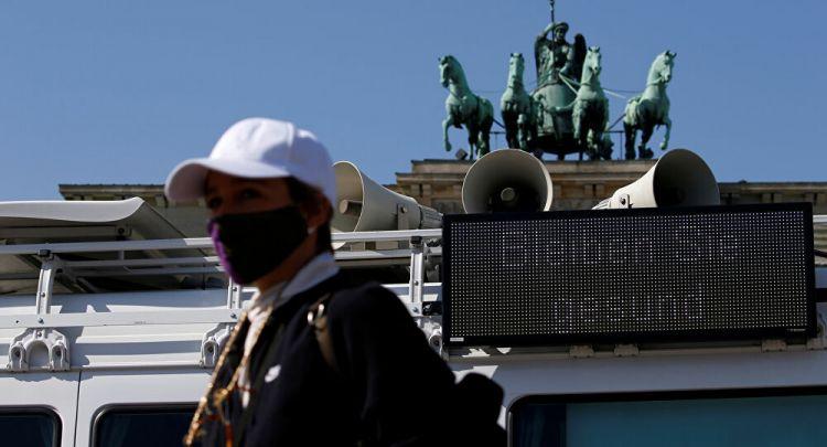 """نائب ميركل: ألمانيا تحتاج كميات """"لا يمكن تخيلها"""" من الكماماتg"""