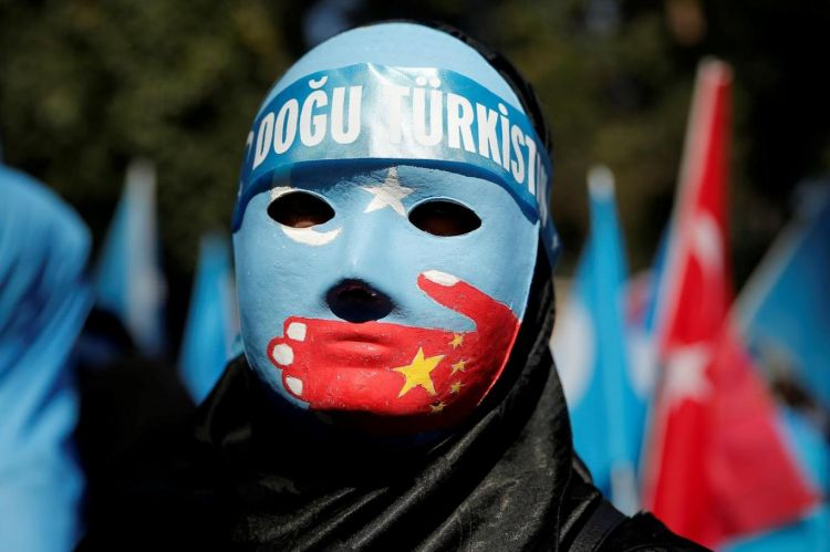 Koronavirüsün kendilerini unutturduğunu düşünen Uygurlar - Çin kendi insanına bile kötü davranıyor; HIV'in Uygur bölgelerinde yayılmasını da devlet sağlamıştı