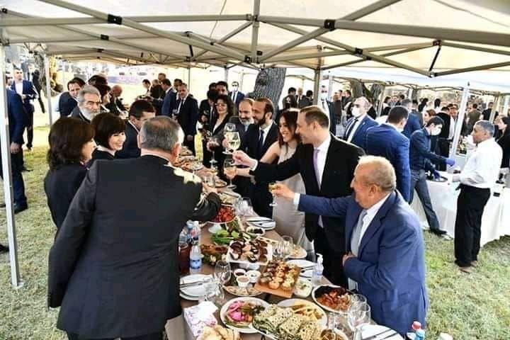 "Армянские жители города Шуша протестовали на ""инаугурации президента"""