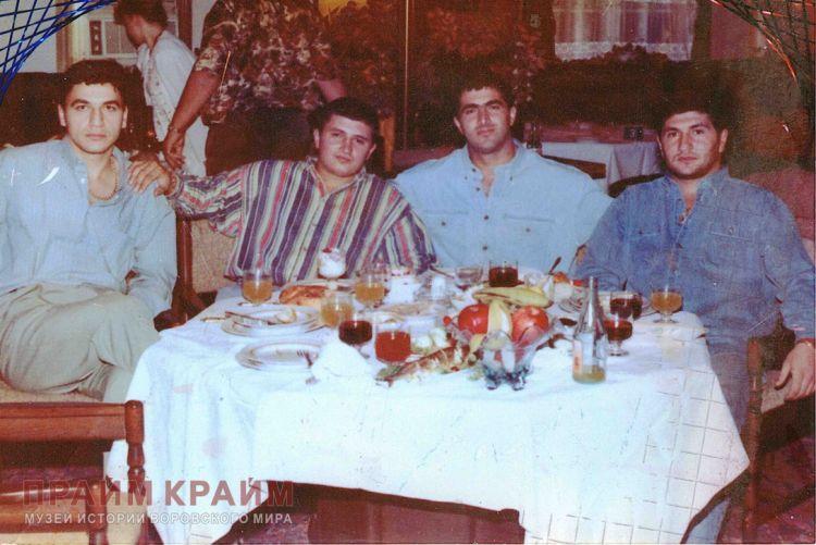 В Баку в зале суда освободили бывшего члена крупного преступного клана