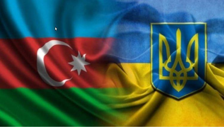 Ukrayna Azerbaycan Büyükelçiliği, Azerbaycan Cumhuriyet Bayramı için özel kutlama yaptı - VİDEO