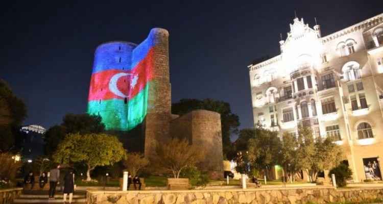 В 1956 году 28 мая вывесил флаг АДР на Девичьей башне в Баку и осужден