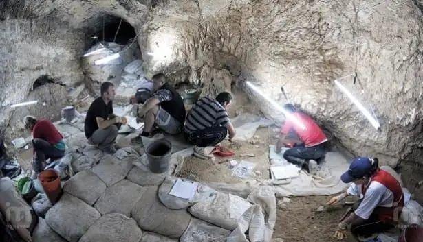 Ermenistan Azerbaycan Ulusal Kültür anıtlarını yok ediyor