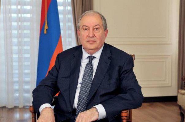 Ermənistan Prezidentinin oğlu həmcinsi ilə evləndi - FOTO