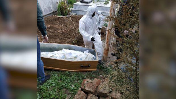 Смотрите как хоронят умерших  от коронавируса - репортаж из кладбища в Гяндже - ВИДЕО