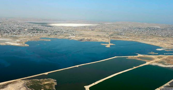 В озеро Беюк Шор не сбрасываются сточные воды - туда сбрасывает отходы фабрика Sobsan по производству красок