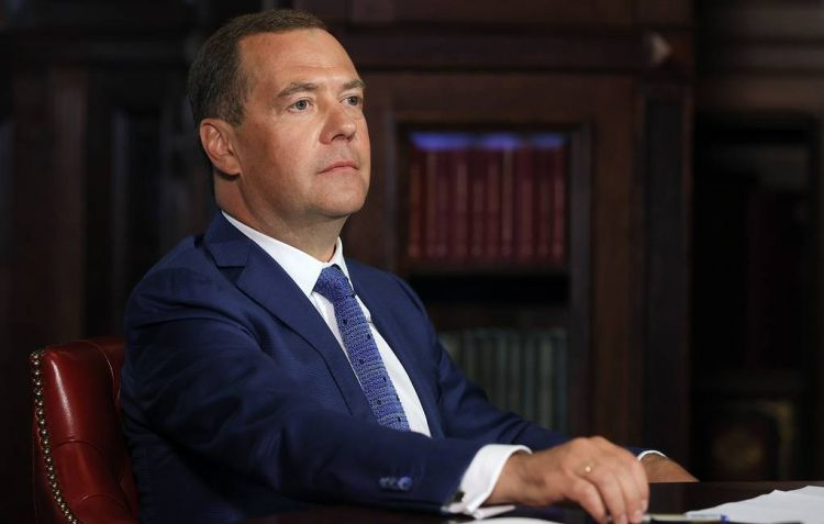 Ex-PM Medvedev speaks about his relations with Putin