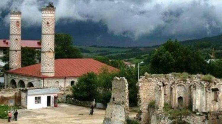 Özbək şairdən Qarabağla bağlı möhtəşəm - Çağırış