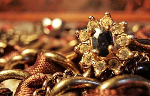 Владелицей украденных в Баку драгоценностей на 1 000 000 манатов оказалась работница банка
