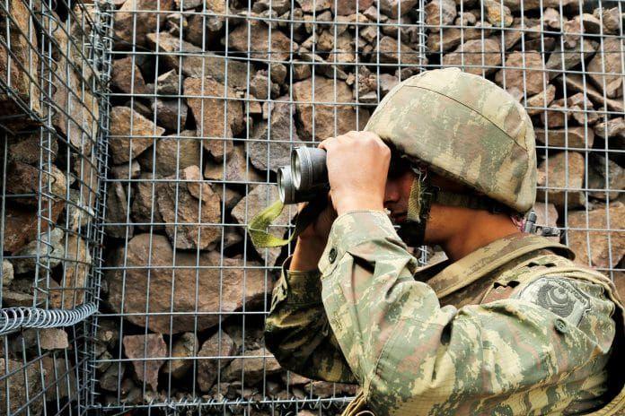 Азербайджанская стратегическая высота Гарагая и видимые оттуда  армянские села и позиции - ФОТО