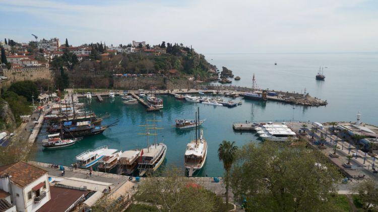В Турции резко выросло число заражений коронавирусом после открытия курортов