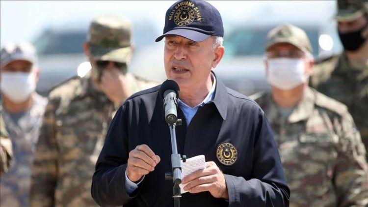 وزير الدفاع التركي يجدد تأكيده على الوقوف دوما بجانب اذربيجان