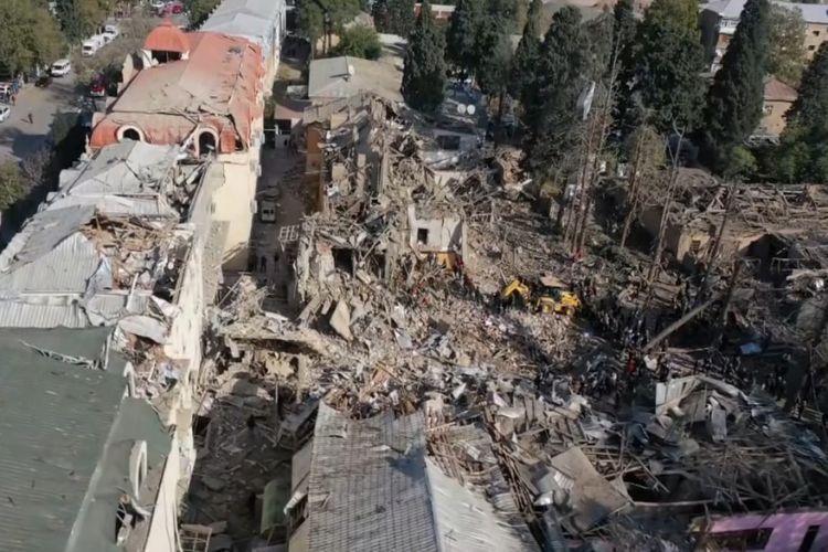 Ermənilərin Gəncəyə raket atması nəticəsində həlak olanların sayı 10-a  çatıb | Eurasia Diary