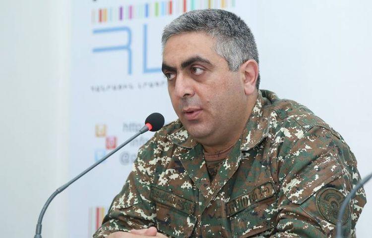 Ermənistan Müdafiə Nazirliyinin nümayəndəsi erməni kişilərini alçaltdı