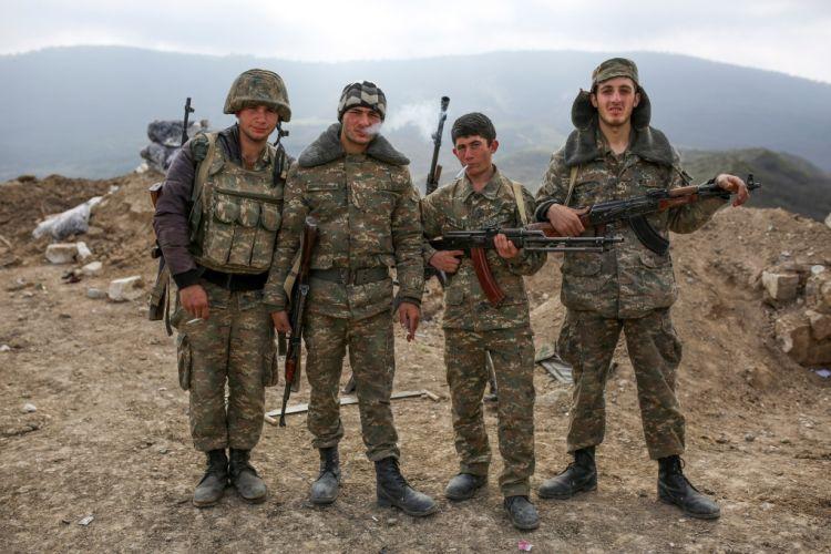Крымские армяне воюют в Карабахе при содействие оккупационных властей полуострова