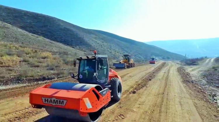 Строительство 21-километрового участка трассы от Тертера до села Суговушан близится к завершению. - ФОТО