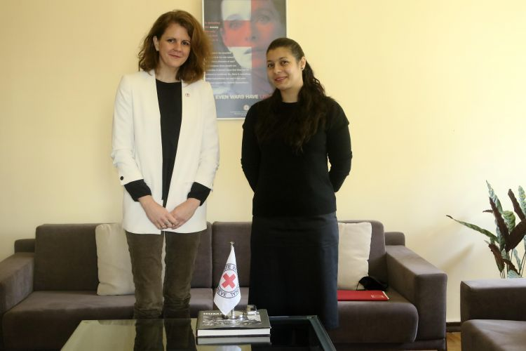 Exclusive interview with the Head of the Red Cross in Azerbaijan - Ariana Bauer - VIDEO