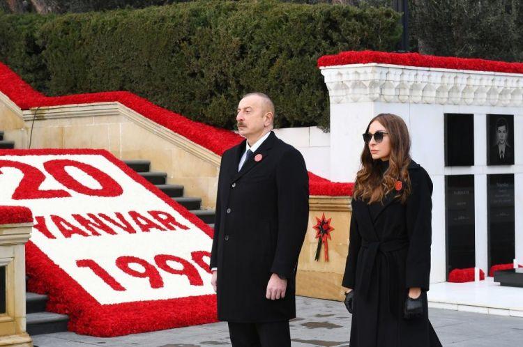 Президент Ильхам Алиев и Первая леди Мехрибан Алиева посетили Аллею шехидов в связи с 31-й годовщиной трагедии 20 Января - ФОТО