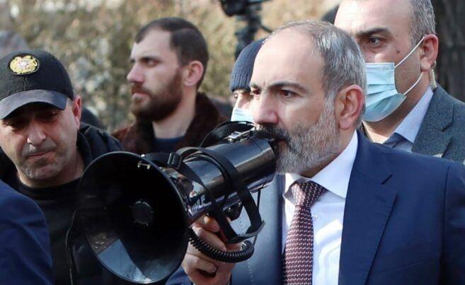 Bu hələ kifayət deyil, Ermənistanı daha ağır günlər gözləyir - Politoloq Paşinyanın mitinqindən danışdı