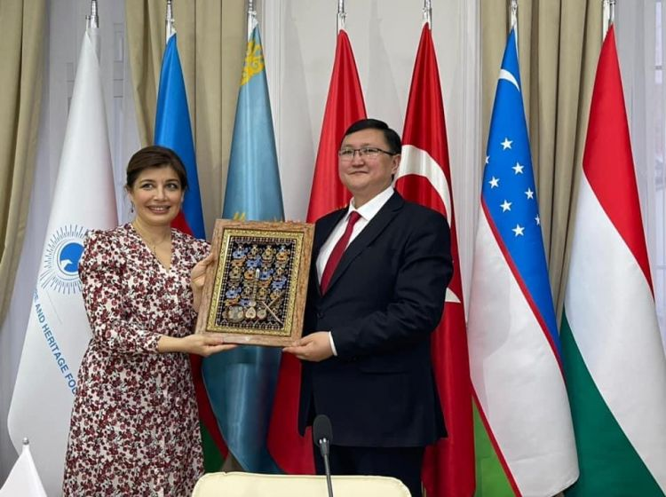 Minister of Culture, Information, Sports and Youth Policy of Kyrgyzstan Kairat Imanaliev visited the International Turkic Culture and Heritage Foundation.