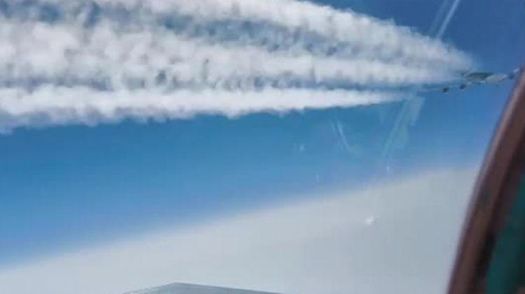 Перехват самолета-разведчика США близ Камчатки показали на видео - ВИДЕО