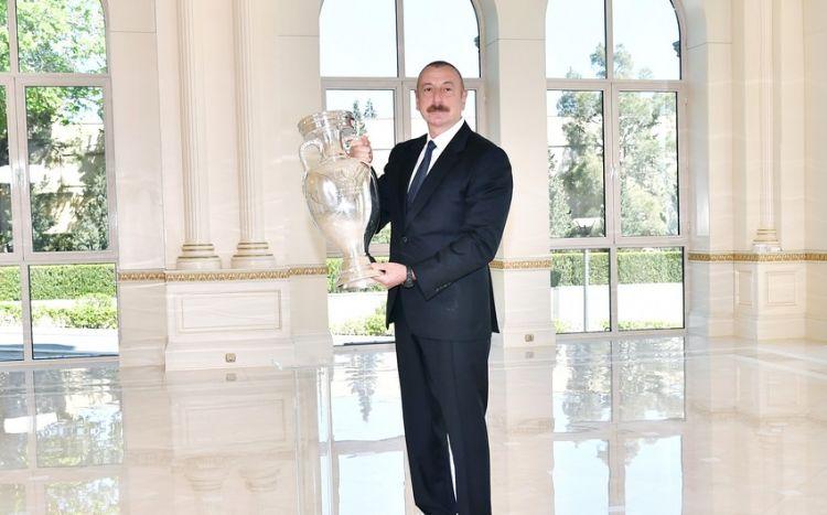 az/news/sport/459552-avro-2020-nin-kuboku-prezident-ilham-eliyeve-teqdim-olunub
