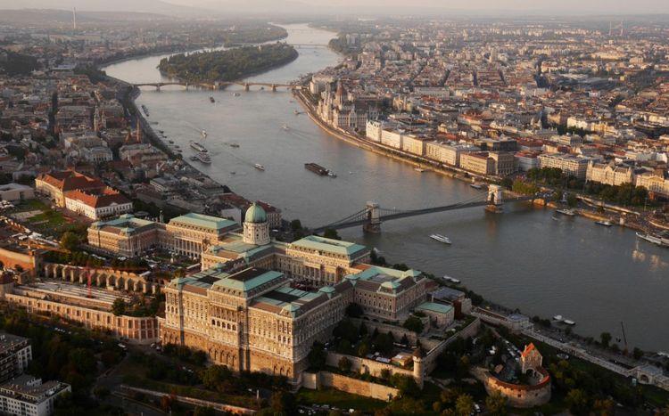 В Венгрии скончался азербайджанский дипломат