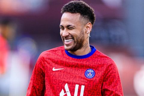 Neymar signs new PSG deal as he commits until 2025
