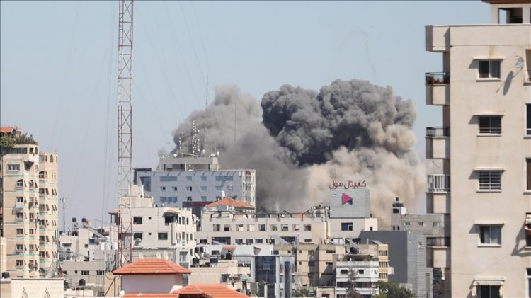 Israeli strikes destroy Gaza building with offices of Al Jazeera, American Associated Press - VIDEO