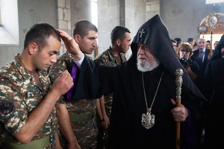 """""""الزيارة غير الشرعية للأرمن الكاثوليك تشكل مهاماً هامة لأذربيجان"""" - إلتشين خالد بيلي"""