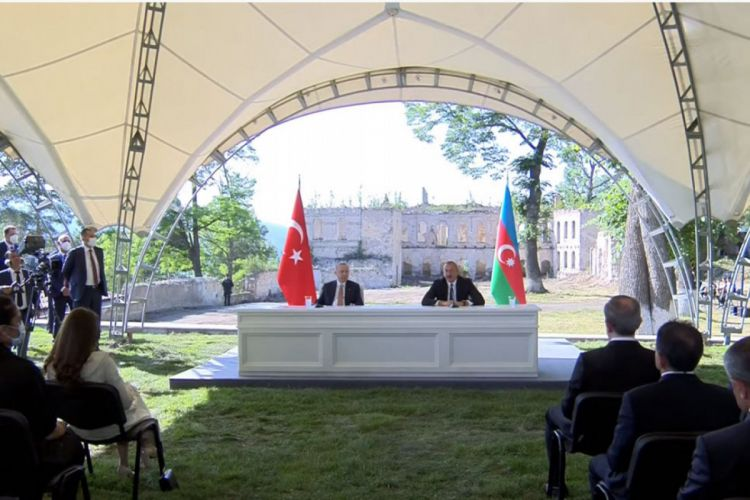 Azerbaijani, Turkish presidents delivering joint statement - VIDEO