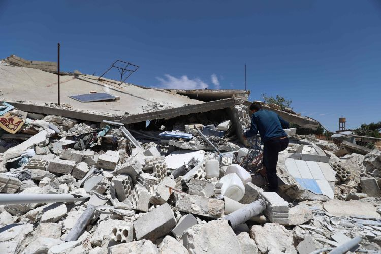 Regime attacks kill at least 7 civilians in Syria's Idlib
