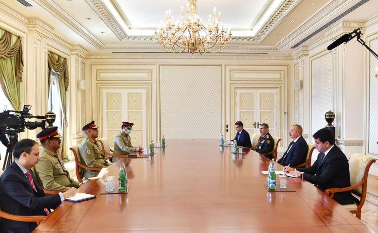الرئيس إلهام علييف: أظن انه ينبغي علي باكستان و أذربيجان توسيع آفاق التعاون العسكري في السنوات القادمة