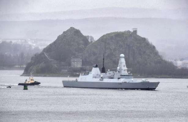 Российский корабль обстрелял британский эсминец в Черном море - СРОЧНО!