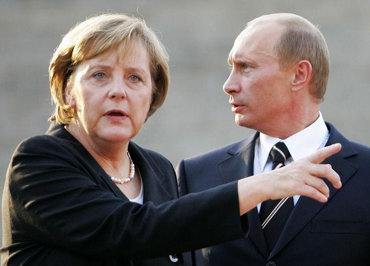 Putinlə Merkel bir-birini neçə dəfə TƏHQİR EDİB? - Kitabda yazılanlar...