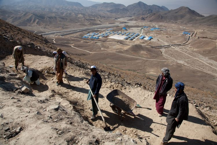 Russia and China eye on Afghanistan's $1 trillion resource reserves - VIDEO