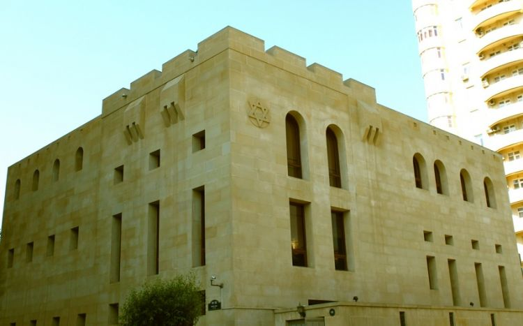 В синагоге ашкеназских евреев в Баку почтили память шехидов Отечественной войны