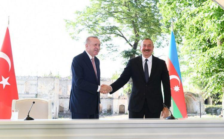Президент Азербайджана поблагодарил Турцию