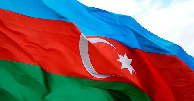 По случаю Дня памяти в центре Баку началось шествие военных - ФОТО