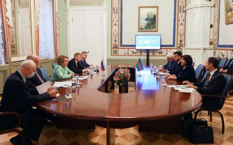Azerbaijani, Russian top officials discuss relations