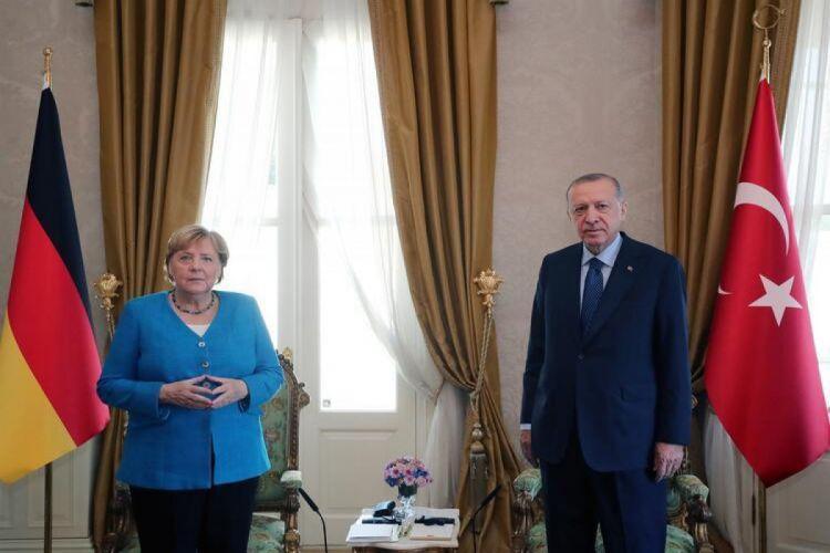 Эрдоган: Меркель всегда проявляла инициативу и никогда не боялась брать на себя ответственность